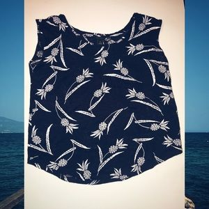 Ladies Navy Blue Ann Taylor Sleeveless Top XS